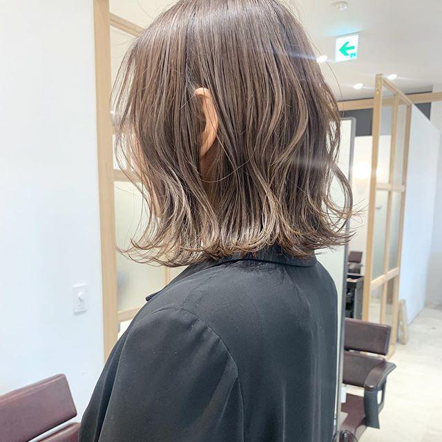 ライト 髪 ハイ